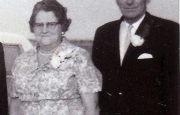 Ma grand-mère paternelle avec son mari (juillet 1968)